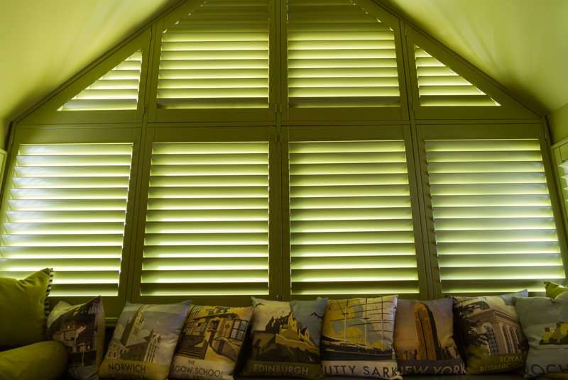 Triangular Blinds Turners Blinds Amp Shutters
